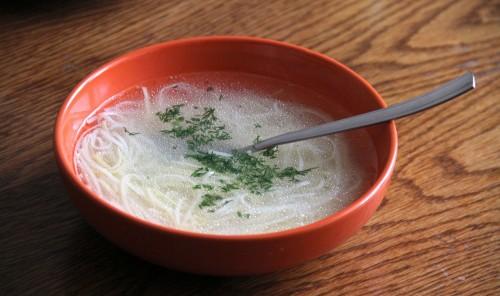 Нудельсуп - легкий суп с лапшой