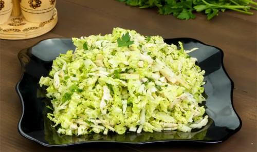 Салат с пекинской капустой и куриной грудкой