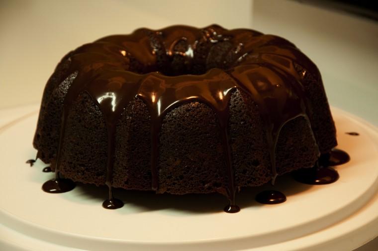 Шоколадный кекс с глазурью за 5 минут