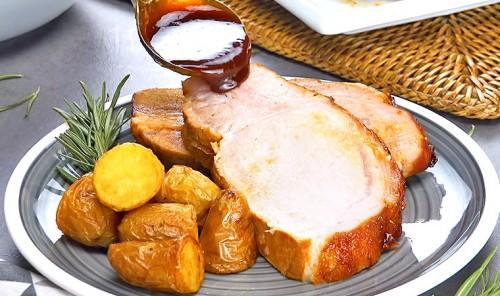 Маринованное свиное филе в духовке с картофелем