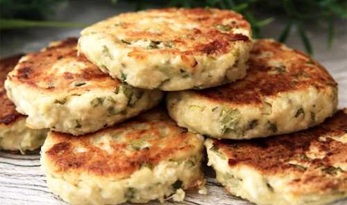 Несладкие сырники с зеленью и сыром