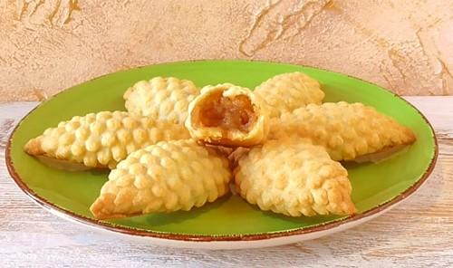Пирожки с яблоками из теста на сметане