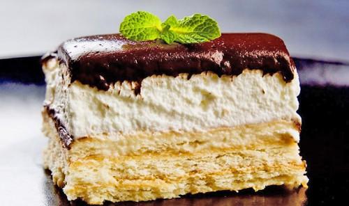Торт из печенья без выпечки и желатина