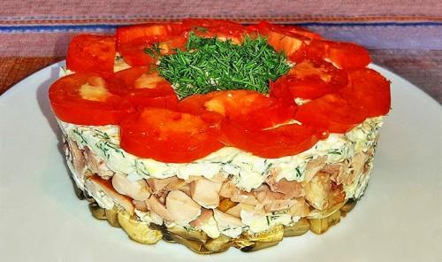 Слоеный салат с копченой курицей «Любимый муж»