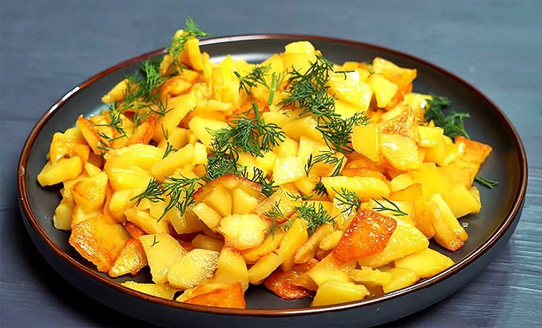 Жареная картошка с золотистой корочкой