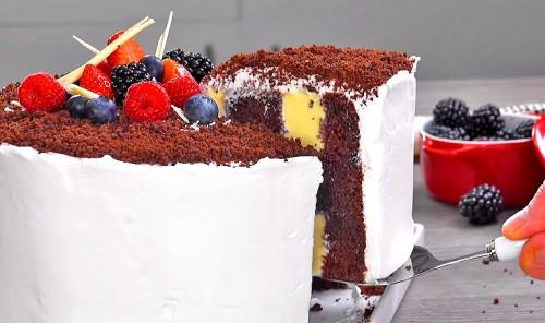 Шоколадный торт с нежной кремовой начинкой
