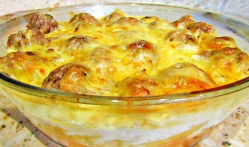 Макароны с сыром и мясными фрикадельками в духовке