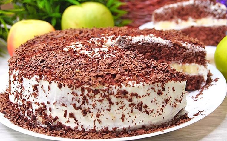 Торт со сметанным кремом и бананом в микроволновке