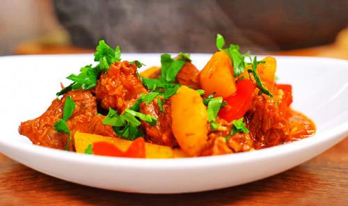 Говядина с картошкой в казане «Бограч»