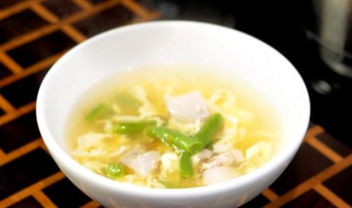 Куриный суп с зеленой фасолью