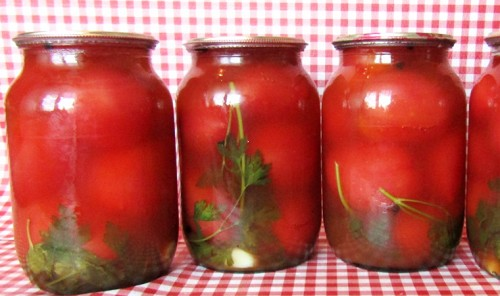 Помидоры в кетчупе чили на зиму
