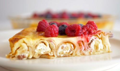 Блинный пирог с творогом и изюмом «Масленичный»