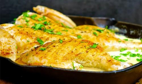 Курица в молочно-чесночном соусе на сковороде