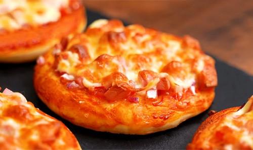 Мини-пиццы на дрожжевом тесте