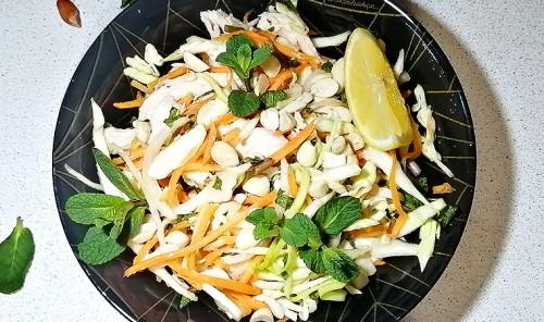 Вьетнамский салат с курицей и арахисом