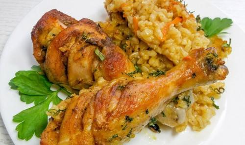 Куриные ножки с бурым рисом