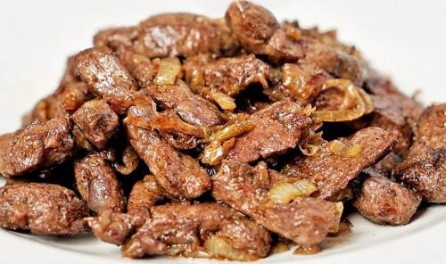 Жареная говяжья печень с луком