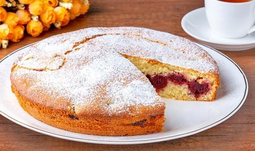Пирог с вишнями на кефире