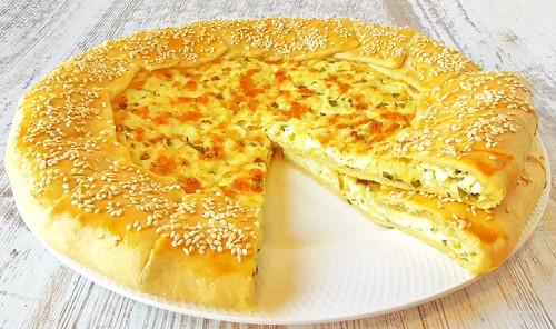 Галета с зелёным луком, яйцами и сыром