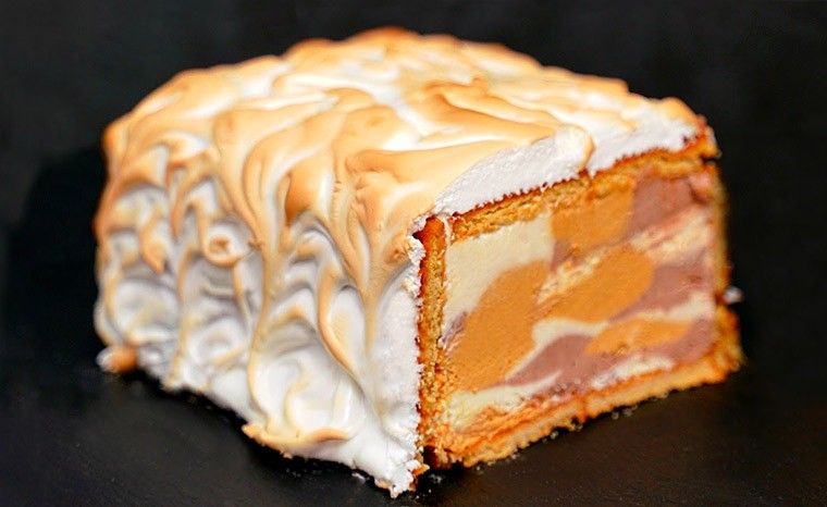 Торт-мороженое с основой из печенья