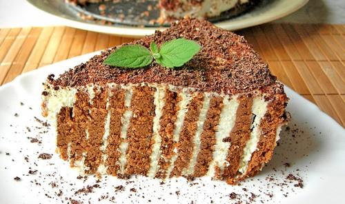 Полосатый торт без выпечки