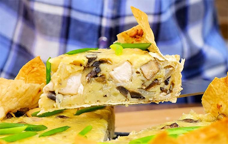 Быстрый пирог из лаваша с курицей и грибами