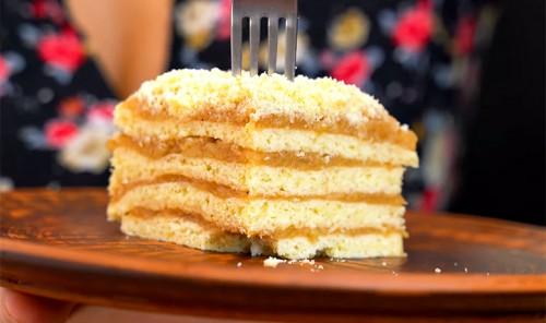 Пирог с яблочным кремом