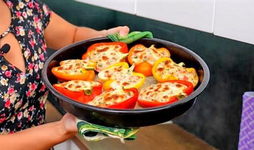 Фаршированные перцы в духовке