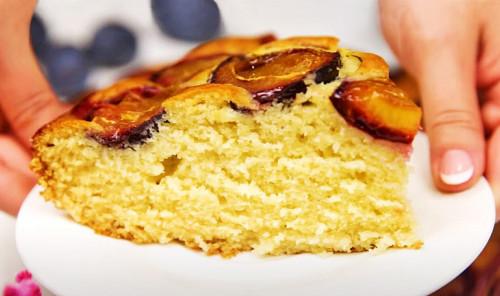 Пирог со сливами на ряженке