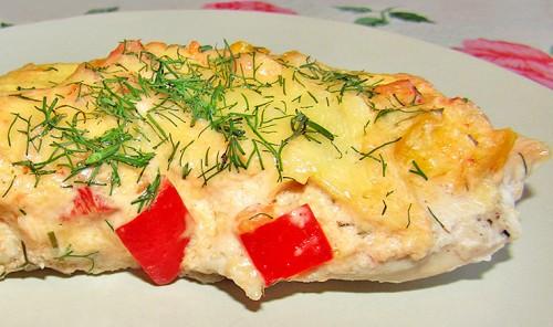 Куриное филе с сыром и овощами в духовке