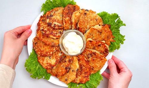 Картофельные деруны с куриной печенью