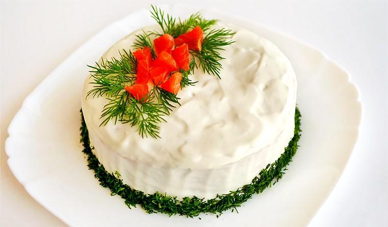 Закусочный торт с соленой форелью