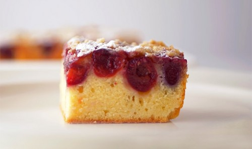 Вишнёвый пирог с хрустящей крошкой