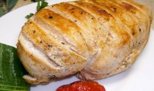 Сочное куриное филе в пергаменте на сковороде