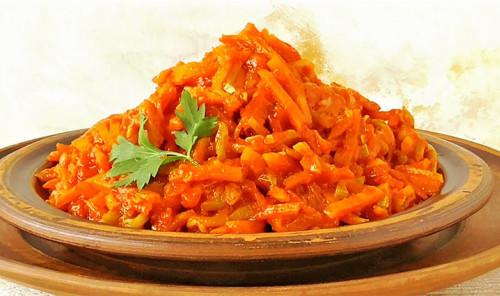 Закуска из кабачков, моркови и лука
