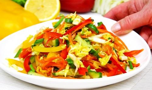 Салат с пекинской капустой, огурцом и болгарским перцем
