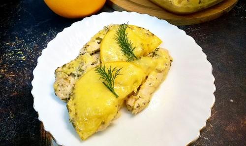 Куриное филе в апельсиновом маринаде под сырной корочкой