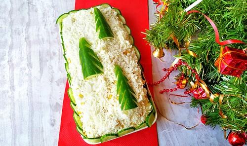 Новогодний салат с курицей «Ёлочки в снегу»