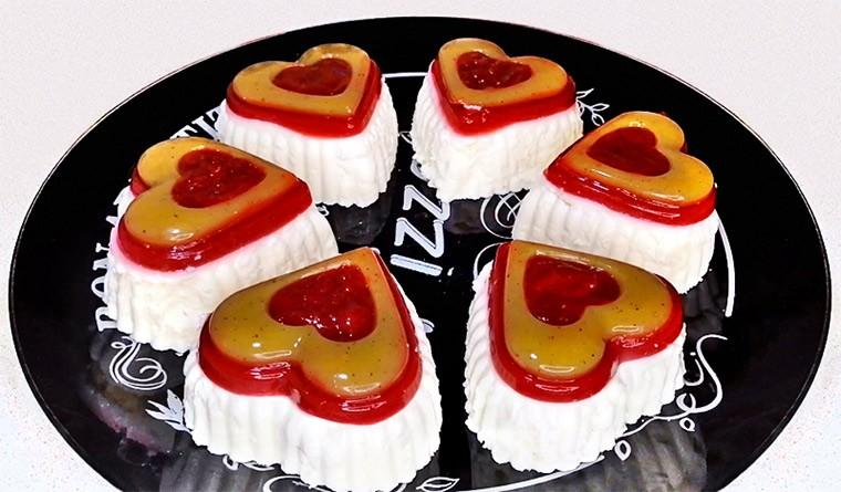 Творожно-йогуртовое пирожное с ягодами