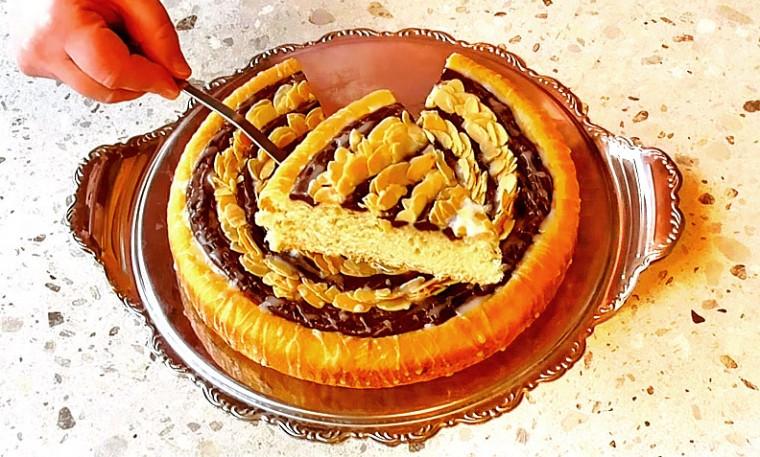 Полосатый пирог с заварным шоколадным кремом