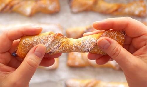 Творожное печенье с джемом и орехами «Спиральки»