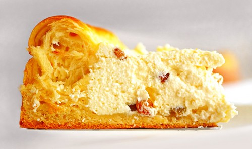 Пасхальный пирог с творогом и изюмом