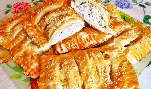 Слойки с курицей и сыром в духовке