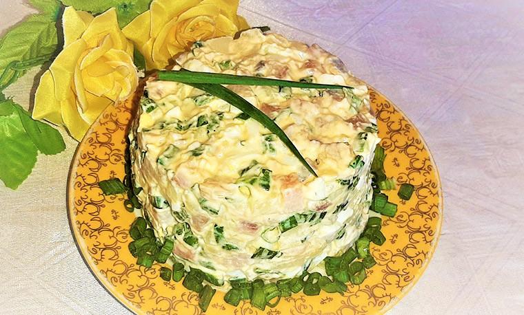Cалат с сельдью, картофелем и яйцами