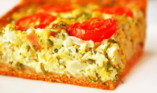 Пирог с цветной капустой, сыром и помидорами
