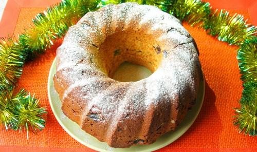 Рождественский имбирный кекс с изюмом и цукатами