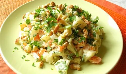 Салат с цветной капустой «Отведай»