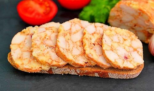 Колбаса из куриного филе в духовке