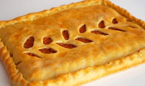 Пирог с тушеной капустой из теста на кефире