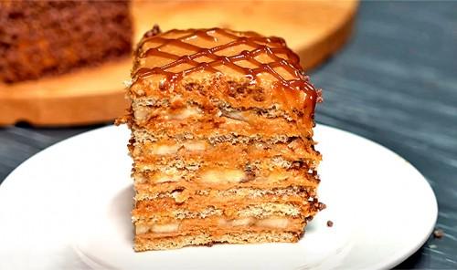 Банановый торт с вареной сгущенкой